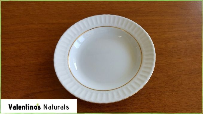 empty porcelain plate, a metaphor for mental benefits of fasting